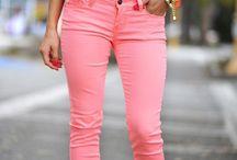 παντελόνι  και μπλουζάκι