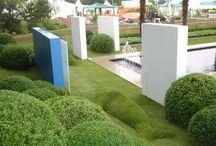 Walls & Fences / Garden walls, fences, hedges, pleaches, boundaries, raised beds