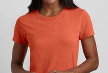 Tricouri Gildan / Tricouri Gildan cu sau fara personalizare pentru companii. Tricouri Gildan brodate sau printate cu logo-ul companiei tale. Trimite cerere de oferta la info@logofashion.ro
