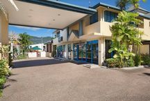 Cairns Southside International / Cairns Southside International is a modern 4 star property that is only a short 5 minute drive into the city of Cairns, Queensland. You will find yourself situated right amongst great tourist attractions and events in no time staying with us.