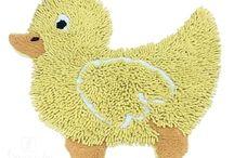 Коврики. Для Ног от ТМ Arloni (Индия)! / Коврики оригинального дизайна в виде животных, имеют необычайно мягкий и приятный на ощупь ворс. Благодаря своему составу (100% хлопок), они обладают гипоаллергенными свойствами, экологичны и очень удобны в использовании и в уходе. Можно стирать в машинке. Плотность: 1600 гр/м2