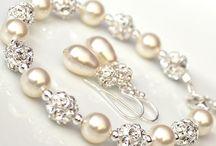 beads / .