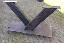 Industriële tafelpoten van staal / Stoere industriële tafelpoten!   U en X koker 100x100mm V tafelpoot koker 200x100mm