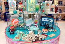 Beach decor / In the mood for sea, sand and summer? Check out Alin Party Supplies fun beach decor for your home, office or boat.