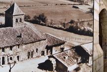 Histoire du Coteau de Belpech - d'hier....... / La chapelle de Belpech s'élève au nord-ouest de Beaumont, sur un monticule qui domine la vallée de la Couze et de son affluent le Lougassou. C'est un petit oratoire de la fin du XIème siècle qui, à l'origine, était un prieuré dépendant de l'abbaye royale de Notre Dame de Cadouin. Elle fût agrandie et remaniée à plusieurs reprises, notamment au XVème siècle. Toutefois, on peut y admirer encore son abside semi-circulaire avec sa petite fenêtre romane et ses jolis modillons répertoriés.