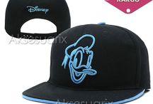 Disney Hip Hop Şapka / Siz de yaz aylarında şapkasız çıkmam diyorsanız, o zaman bir çok model ve renkte şapkalar için sizleri aksesuarix.com 'a bekliyoruz.  http://www.aksesuarix.com/sapka