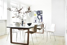 Dining tables / Dining tables