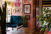 INSPIRING GALLERY WALLS / Tips tricks and themes to help you create your dream gallery display