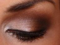 Makeup Artist Within / by Alexandra MacMillan