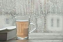 яaıиү daγs / I luv monsoon season.In this board u will get beautiful pictures related to rainy days.Coz I find peace in the rain.Nthg better than a book,tea n a blanket whn it's raining..