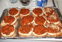 Pizza burgers and yums / by Kimberly Bernards