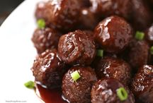 Appetizers / Quick crock pot meatballs