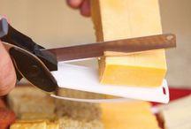 Couteau-Planche 2 en 1 ustensiles de cuisine / Cuisinez rapidement vos plats soupes grâce à ce couteau 2 en 1... ustensiles de cuisine indispensable.  Laissez libre court à votre imagination. Couteau intelligent 2 en 1 Très simple d'utilisation, le couteau-planche 2 en 1 est un couteau pratique qui va vous faciliter la vie au quotidien.