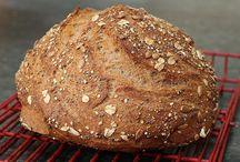 Bread Baking Love / by Bianca Kamnitzer