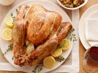 Thanksgiving Menu / by Jamie Sentz