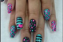 ongles points / rayures