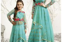 Lehengas / Lehenga Set is one of the latest trends at the moment. Lehenga comes in a wide variety of designs and can we wore in multiple ways. It can either be worn with a crop top or a short blouse, knee length kurta or choli style. This traditional outfit is now available with a contemporary touch only on Hatkay.com.