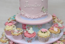 Cakes & Cupcakes...yummmmm / by Jeanie Young