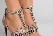 mert imádjuk a cipőket :)