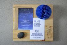 """""""Wielka niedźwiedzica"""" - zaproszenia / kolekcja 2015 by minwedding               motyw przewodni: gwiazdy, astrologia, niebo, gwiazdozbiory, noc           kolory przewodnie: granatowy, niebieski, biały, eko      projekt, wykonanie, zdjęcia: minwedding     more on: http://minwedding.pl/blog/?p=3601     zaproszenia zaproszenia ślubne wedding invitations"""
