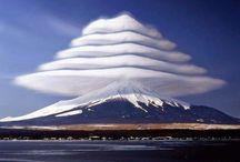 Vulcani più Belli del Mondo / In questa Categoria possiamo trovare i vulcani più grandi e attivi del pianeta. Immagini suggestive delle loro spettacolari eruzioni.