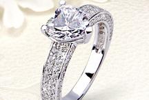 Ezüst eljegyzési gyűrűk
