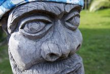 New Caledonia: Kanak Culture / Kanak are the indegenous people of New Caledonia, they represent 40% of the total population.The kanak culture is very rich bringing 12 different langages within New caledonia only. Plus Kanak people master several arts such as wood sculpture, painting and pottery.