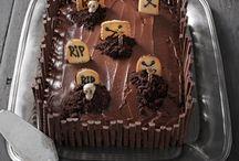 Cake / by Gabriela GueCa