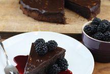 Desserts / by Roberta Vizcaino Ogborn