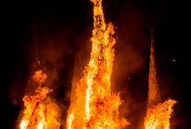 AfrikaBurn / Nearly 10 000 part-time pyromaniacs watched great wooden structures blaze at Afrikaburn, Africa's regional Burning Man festival.