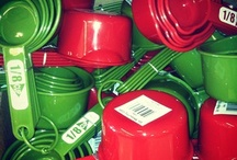 COMPLEMENTARY CONTRAST RED-GREEN