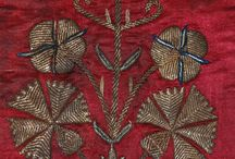 Hímzések / úrihímzések / Olyan textilekről készült képeket gyűjtöttem össze ide, amelyek az egyházi textíliák több évszázados hagyományát őrzik.