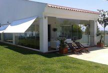 Cerramiento de Cristal para Porche de Valencia / https://www.cerramientosabatibles.com/galeria/cierre-de-porche-en-valencia