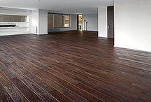 Pisos de Madera Vintage | DIVANO Pisos de Madera / DIVANO presenta su nueva colección de pisos de madera maciza VINTAGE, con texturas y colores exclusivos que le proporcionarán una apariencia única a sus espacios.