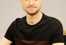 Daniel Radcliffe / Hier geht es um Daniel Redcliffe hier findet man Bilder und Videos wer Daniel Redcliffe mag ist hier bestimm richtig
