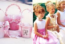 Flower Girl Basket Inspiration / Sweet & cute inspiration for the sweetest & cutest girls of a wedding