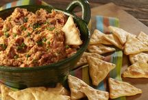 Taste Touchdowns / Cheer the team to victory with these tasty football party recipes perfect for a game day watch party or a tailgate get-together. You'll love these bold appetizers bursting with flavor, crowd-pleasing snack recipes, and irresistible quick & easy desserts. Nabisco is here to coach you to a taste bud touchdown!