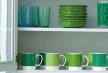 Emerald, a trendy color for 2013 / Если Pantone утверждает, что цветом 2013 года станет изумрудный, значит так и будет.  Живой и яркий цвет, который создает ощущение уюта, равновесия и гармонии.  Цвет, который, также ассоциируется с надеждой, которая, как известно, умирает последней…  Цвет, который опасно и сложно использовать в больших дозах, но акак насчет набора посуды или банных принадлежностей, рамочек для фото или декоративных подушек?