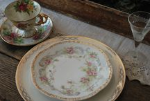 Vintage China / Vintage china rentals are the latest in wedding trends. If you are thinking of renting china at your wedding you need to see all of our vintage plates for inspiration.