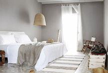 V bedroom