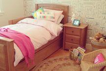 Bedroom Furniture / Bedroom Furniture