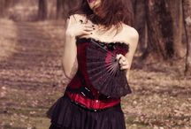 Alternative modeling / Gothic, victorian, rock or simply grunge fashion