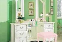 my dream bedroom... / by Sarah Golden