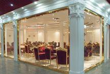 Tiendas / Múltiples reconocidas tiendas están escogiendo productos de Orac Decor para decorar sus espacios y escaparates, dando un acabado  muy luminoso y elegante. Puedes ver todos los modelos en: www.exxentdecor.com