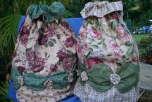 Altogether Patchwork Bags / Bags and bag patterns by Altogether Patchwork.