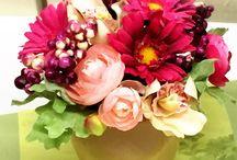 flower Lesson 季節の花で講習会 / 花ひろでは様々な形態の花講習しています。ケータリング形式や当店にてなど。学校での授業も行っています。季節を感じて楽しんでいただけるレッスンです!
