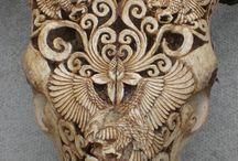 Sculpture & carvings