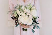 sarah wedding flowers . / by Molly Kidd