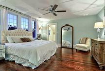 Master Bedroom / Relaxing