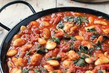 spanish bean dish with tomatoes